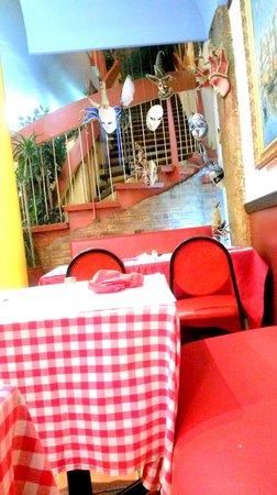 restaurant casa rina dans paris avec cuisine italienne. Black Bedroom Furniture Sets. Home Design Ideas