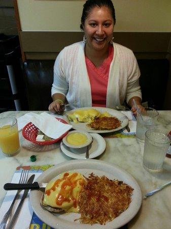 Andrews Diner : BEST EGGS BENEDICT
