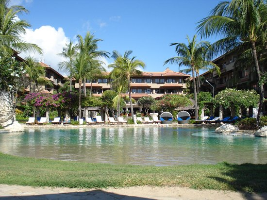 Grand Aston Bali Beach Resort: hotel pool