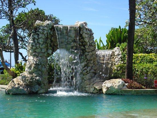 Grand Aston Bali Beach Resort: hotel pool waterfall