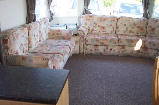 Cayton Bay Holiday Park - Park Resorts: Comfortable lounge