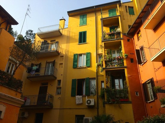 Hotel Il Guercino : Neighbours