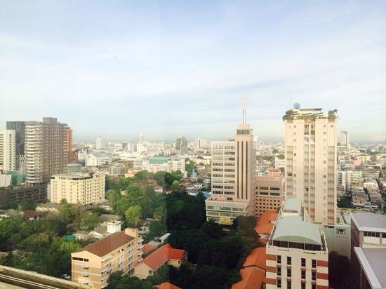 ibis Bangkok Siam Hotel: View from bedroom window
