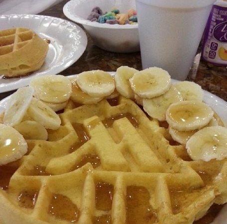 SpringHill Suites Philadelphia Langhorne: Yummmmm!!! Breakfast time!