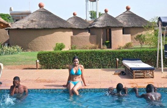 Grand Calao : Vue de la piscine et de notre bungalow
