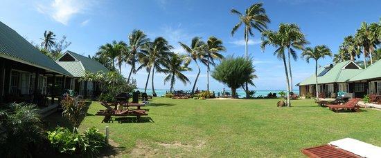 Muri Beachcomber: view of sea view suites