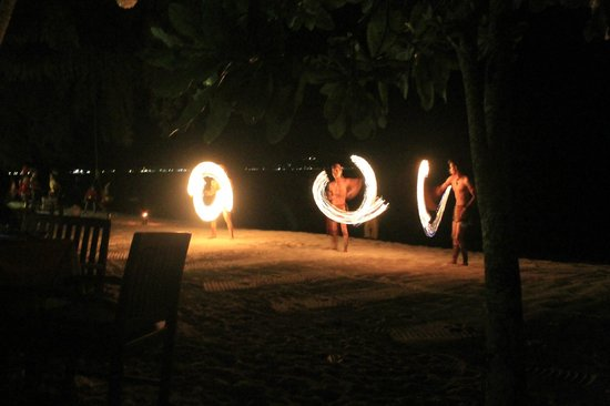 Koh Chang Paradise Resort & Spa: Feuershow