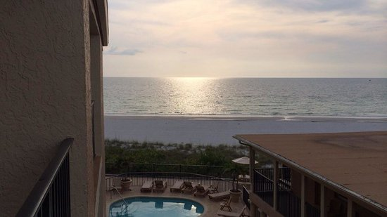 Belleair Beach Club : View from #318
