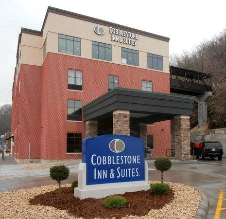 Cobblestone Inn and Suites Marquette, IA/Prairie Du Chien: Hotel Exterior