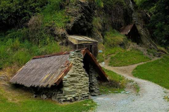 Arrowtown Chinese Settlement : Peasant farmer's huts