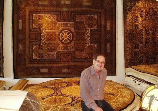 Aaron's Oriental Rug Gallery