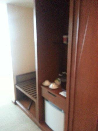 Baiyoke Sky Hotel: pantry