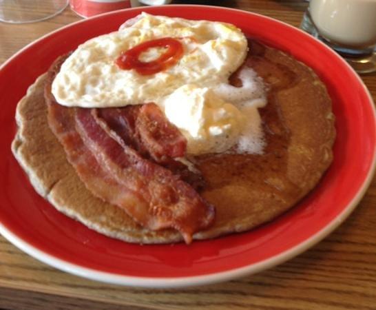Running Bear Pancake House : the Mama Bear with a Buckwheat Cake