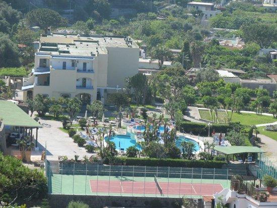 Hotel Zaro: Вид на отель и его территорию сверху