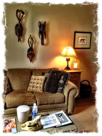 Hotel DeFuniak: You are now on Safari, in the Florida panhandle.