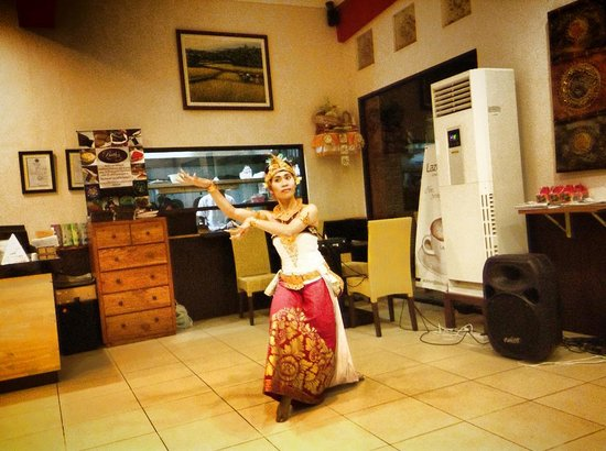 The Griya Sanur: balinese dance