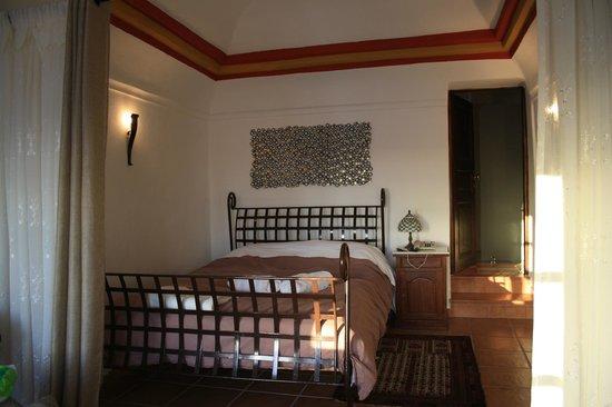 Afroessa Hotel: La cama