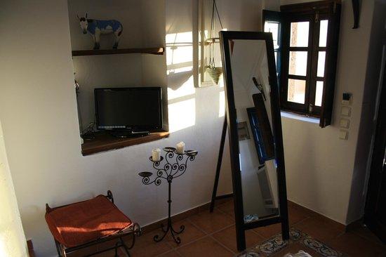 Afroessa Hotel: El hall de nuestra habitación