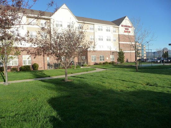 Residence Inn Colorado Springs North/Air Force Academy: Clean inside and out