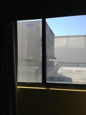 DoubleTree by Hilton Richmond-Midlothian: HVAC unit outside of room #316