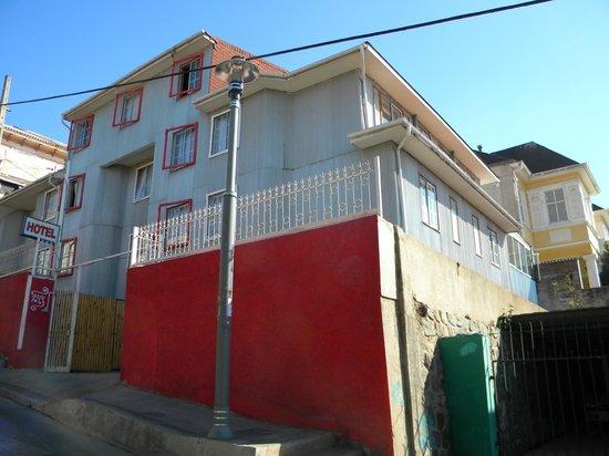 Hotel Montealegre de Valparaiso : Parte exterior del Hotel