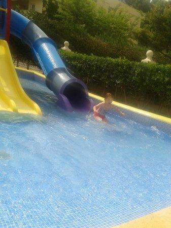 Apartamentos Siesta I: lovely splash pool