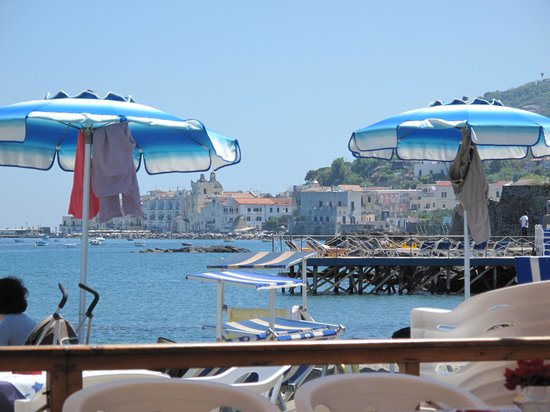 Perfect location picture of bagno antonio ischia porto - Bagno italia ischia ...