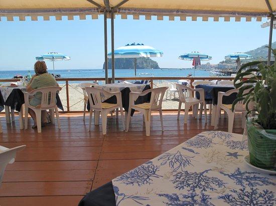 Beach eatery pure italian style review of bagno antonio - Bagno italia ischia ...