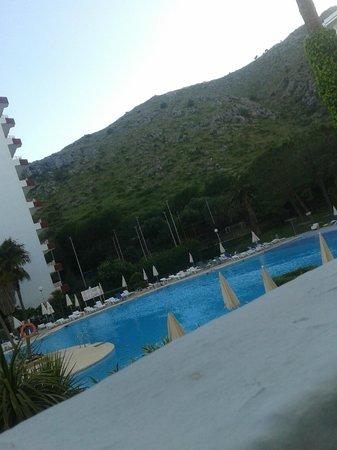Apartamentos Siesta I: pool area