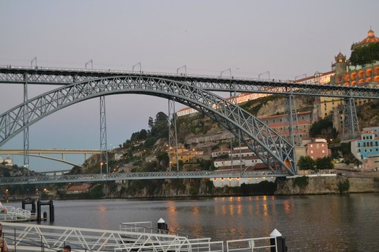 Pestana Vintage Porto : Puente sobre el río