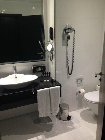 Melia Ria Hotel: Baño
