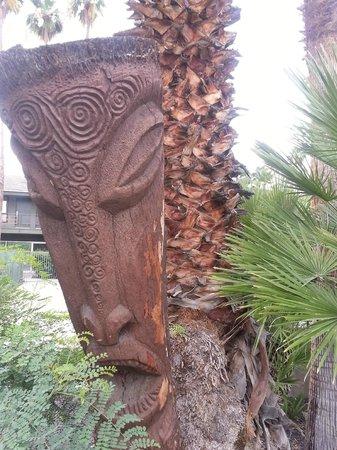 Caliente Tropics Resort: Cool tiki