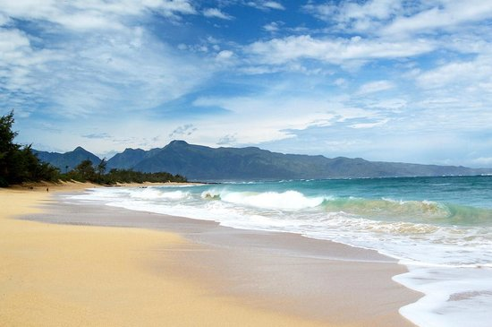 Kuau Inn: Baldwin Beach has over a mile of sand. It's just a short drive from us (2 miles / 3 km).