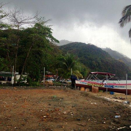 Castara Bay: Castara Beach