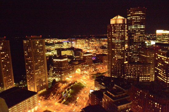 Marriott Vacation Club Pulse at Custom House, Boston: view at night
