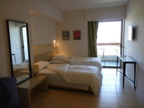 Sitia Beach City Resort & Spa : La chambre