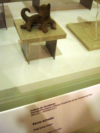 """Museo Soumaya: Arte antiguo mexicano """"Perro Echado"""""""