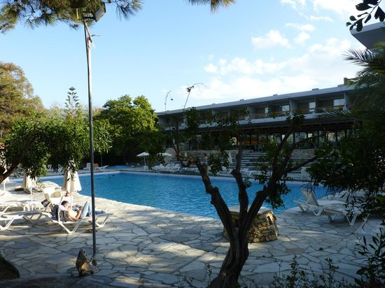 Sitia Beach City Resort & Spa : La piscine principale