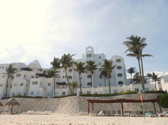 GR Caribe by Solaris: From the beach
