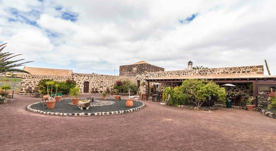 Photo of Hotel Rural Mahoh Villaverde