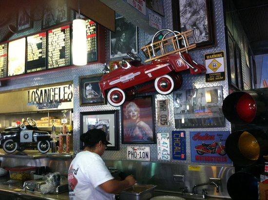 Boulevard Burgers: Good customer service