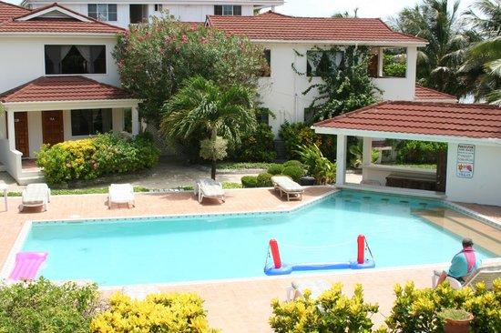 Paradise Villas: Pool View