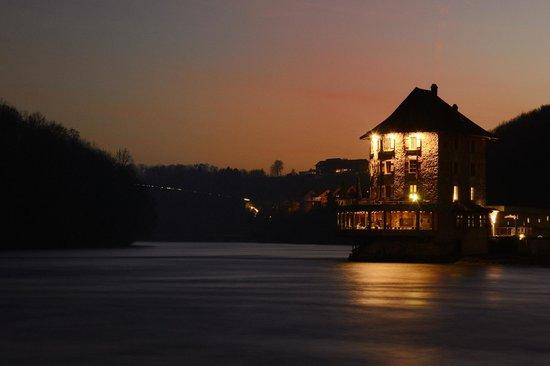 Schloessli Woerth : Sonnenuntergang am Rheinfall