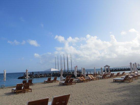 Sandals LaSource Grenada Resort and Spa : Beach