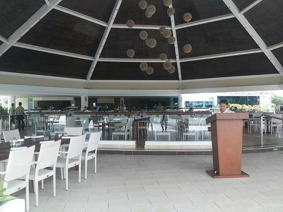The Westin Playa Bonita Panama: El otro lugar donde sirven buffet ahi fue el desayuno