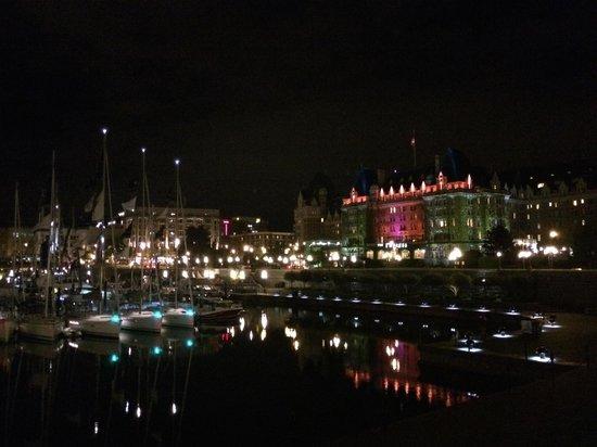 The Fairmont Empress: Night scene from inner harbor