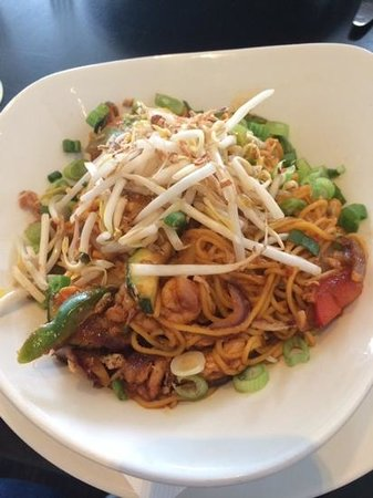 The Gibson Hotel: Singapore Noodles