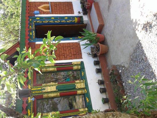 Madhuvan Cottage & Restaurant