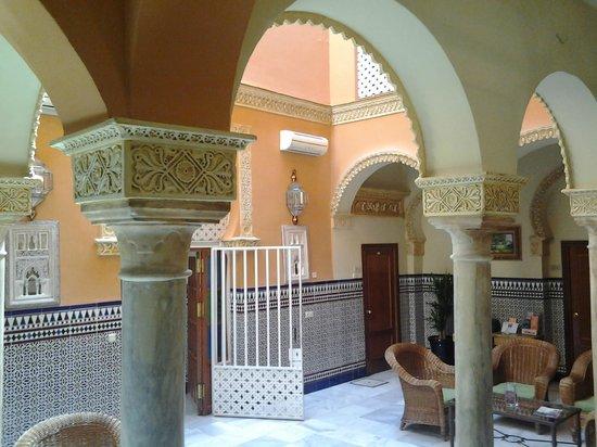 Recepción del hotel Zaida.