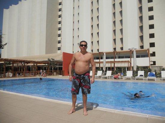 Ibis Dakar: swim